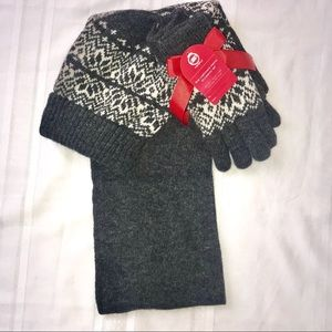 Cashmere Blend hat scarf glove set nwt new